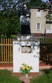 kapliczka św. Jana Nepomucena w Turawie.jpeg