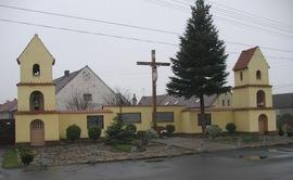 pomnik ku czci poleglych w czasie I i II wojny swiatowej
