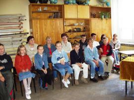 laureaci konkursu plastycznego z wychowawcami